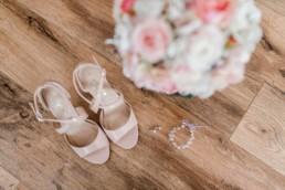 Accessoires der Braut sind vorbereitet, Heiraten mit Hochzeitsplanerin Julia Leifheit Fotografie