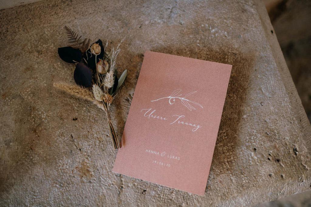 Papeterie und Dekoration für Hochzeit planen mit Hilfe von Julia Leifheit, Wedding Day Managerin, München