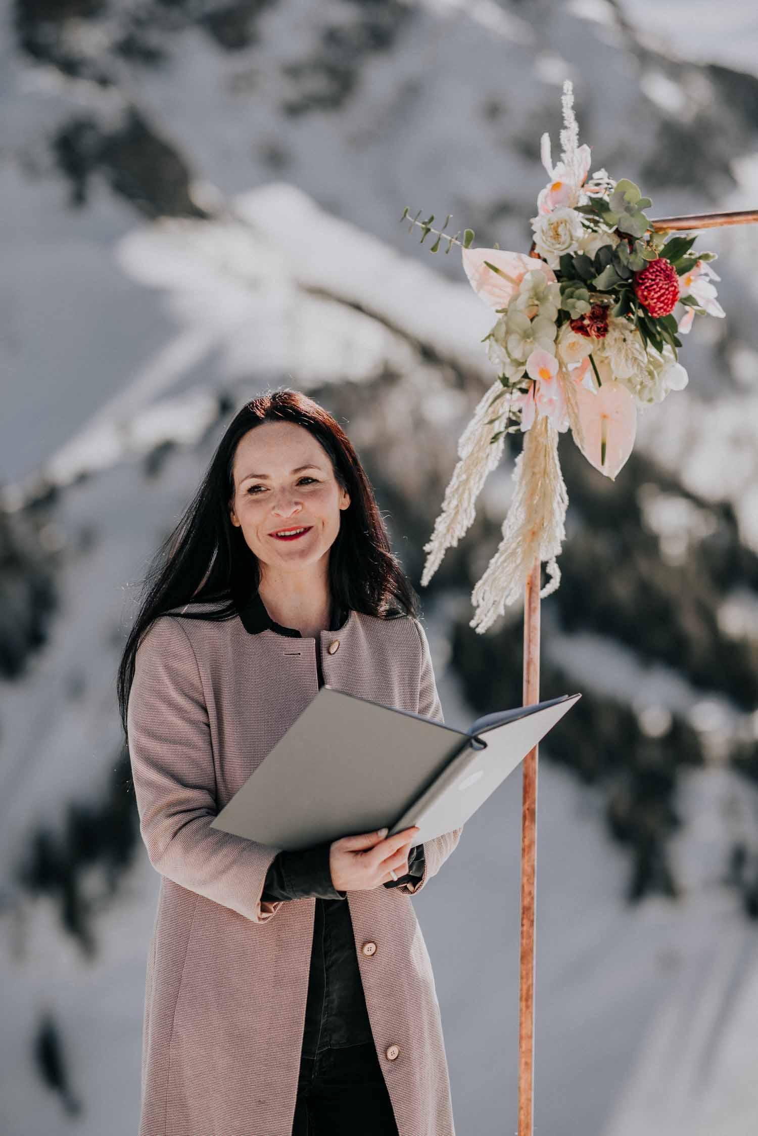 Traurednerin in Action, Hochzeit planen mit Julia Leifheit Wedding Day Management aus München