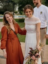 Julia Leifheit mit dem Brautpaar. Professionelles Wedding Day Management am Hochzeitstag, für erfolgreich geplante Hochzeiten in München und Umgebung.